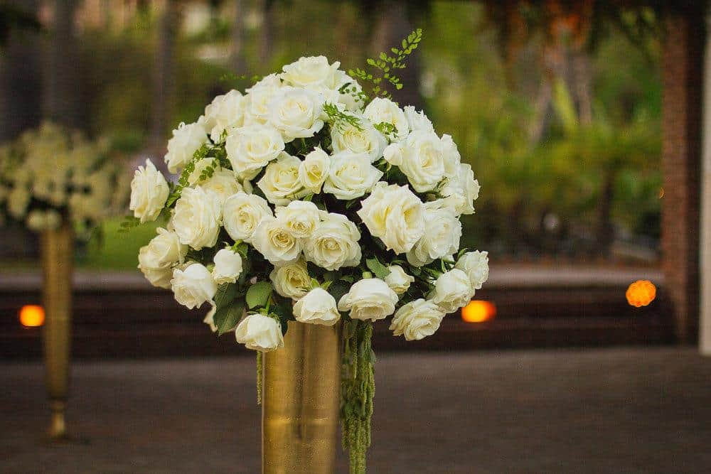 wedding flowers white roses